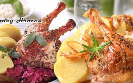 Celá dozlatova pečená 2,2kg kachna s variací zelí i knedlíků! PRAVÁ ČESKÁ HOSTINA!