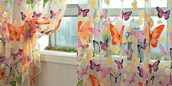 Veselá motýlí záclona - 200 x 150 cm!