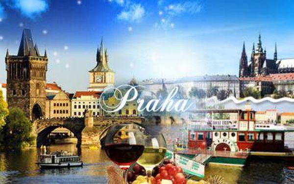 Hodinová PLAVBA centrem Prahy včetně nápojů! Nevšední pohled na Prahu - skvělý žážitek pro vás či vaše blízké!