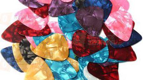 Balení 50 kusů barevných trsátek a poštovné ZDARMA! - 9999920974