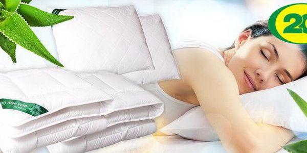 Přikrývky, polštáře a podložky s úpravou Aloe Vera