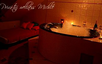 Romantický relax ve dvou v privátním wellness Michle s vířivkou a infrasaunou
