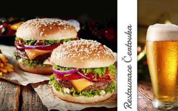 PRAHA - menu pro DVA! 2x 200g HOVĚZÍ BURGER s 200g HRANOLKY + PIVO či NEALKO v Restauraci Čertovka!