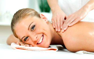50 minut relaxace a uvolnění při profesionální masáži ramen, zad a nohou.