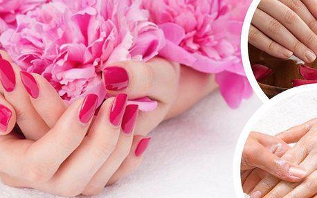 Regenerační manikúra pro Vaše ruce, peeling, maska, regenerační krém a závěrečná, uvolňující masáž!