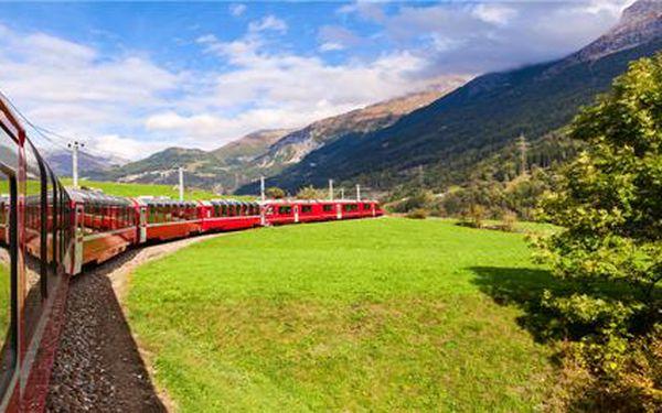Rodinný výlet do Švýcarska na zážitkovou jízdu panoramatickým vlakem po nejkrásnější železniční trati na světě. Termíny květen - červen.