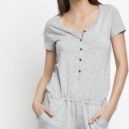 Roxy - Dámská Kombinéza má zapínání na knoflíky, pružný pas, dvě všité kapsy a ohrnuté nohavice