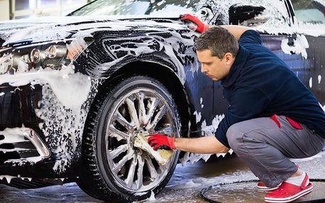 Kompletní ruční mytí interiéru a exteriéru vozu