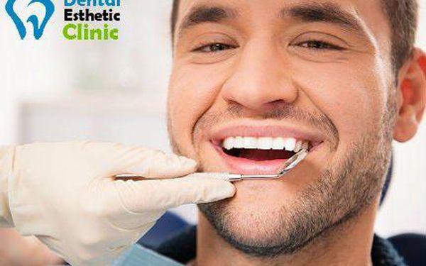 Dentální hygiena v Dental Esthetic Clinic s 51% slevou!