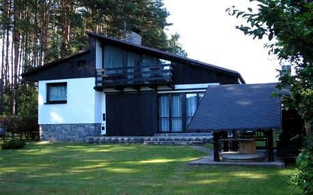 Chata Hlavatce - chatová osada u rybníku Rytíř, Jižní Čechy, Česká republika