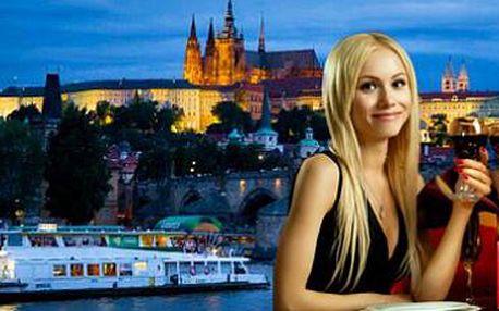 Plavba po Vltavě: 2hodinová romantická projížďka lodí Moravia s obědem či večeří!