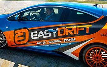 Revoluční škola smyku EasyDrift: naučte se ovládat auto v řízeném smyku!