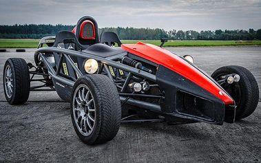 Jízda v super rychlém autě Ariel Atom 3 po letišti u Plzně
