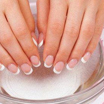 P-shine včetně manikúry pro krásné nehty