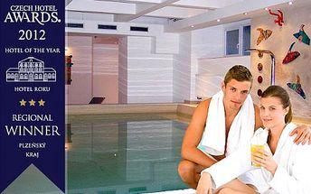 Šumava pro 2 osoby se saunami, neomezeným vstupem do venkovního nebo vnitřního bazénu v Hotelu Central*** Klatovy, 100% garance koupání po cely rok!