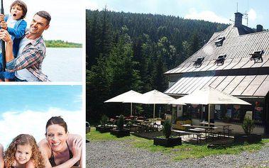 Pobyt na 3 dny v horské chatě Hájenka pro dva s polopenzí, 2 kg ryb,povolenka a zapůjčení vybavení.