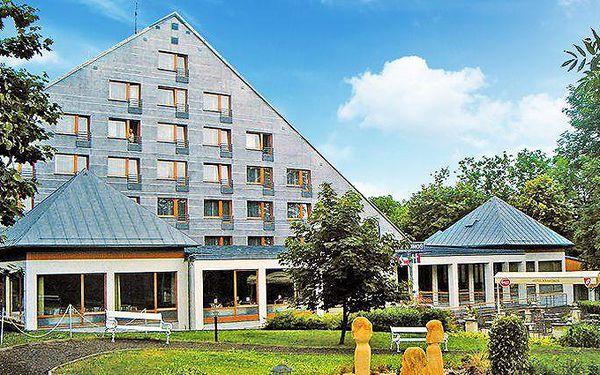 Až 5denní wellness pobyt se snídaněmi v hotelu Krakonoš v Mariánských Lázních pro 2