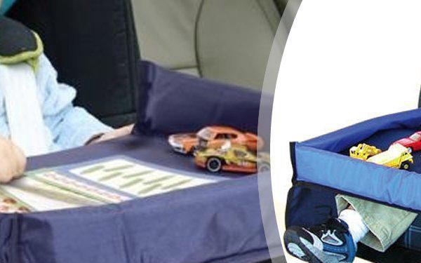 Cestovní hrací stolek Snack n 'Play zabaví Vaše dítě a udrží jídlo a pití na svém místě.