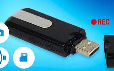 Špionská kamera v USB flashdisku: Detekuje pohyb, natočí video i vyfotí!