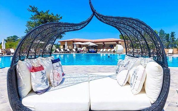 Severní Kypr letecky s bazénem