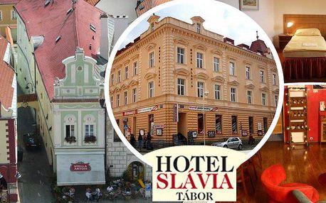 Pobyt v hotelu Slávia Tábor na 3 dny. Snídaně, lahev vína, káva a zákusek. Děti do 6 let zdarma!