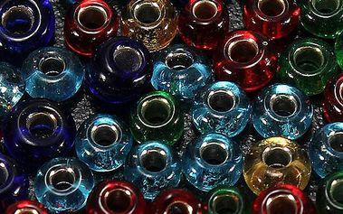 Skleněné navlékací korálky o 300 kusech v balení, na výběr z 5 barev