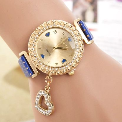 Dámské hodinky s přívěskem srdíčka