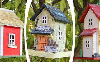 Originální dřevěné ptačí budky a krmítka