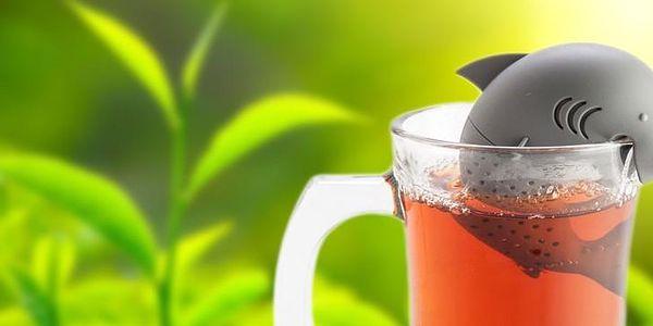 Originální čajové sítko ve tvaru žraloka