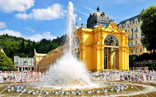 Až 6denní pobyt pro 2 s wellness procedurami v hotelu Romania v Mariánských Lázních