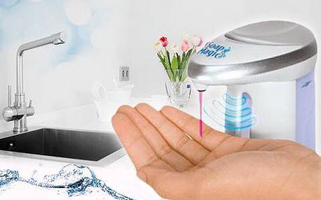 Bezdotykový dávkovač mýdla