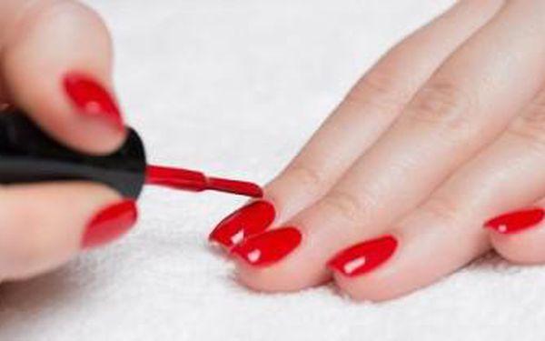 Gel - lak - lakování RUKOU nebo NOHOU. Získejte dokonale nalakované nehty až po 3 týdny!