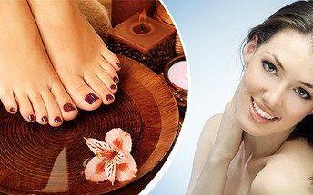 Kompletní pedikúra či ošetření přírodní kosmetikou