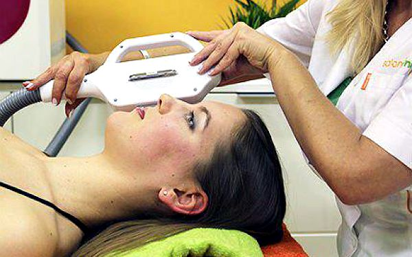 Salon Ronia: 3D odstranění jizev nebo strií 3D HPPL
