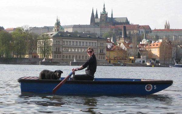 Půjčení lodiček v Praze na Vltavě