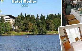 Letní pobyt v srdci Vysočiny v hotelu Medlov*** s polopenzí, minigolf, lodičky, sleva na wellness.