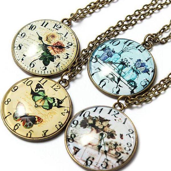 Elegantní vintage náhrdelník v podobě hodinek