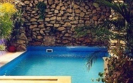 120 minut privátní relaxace v krytém bazénu s vodo...