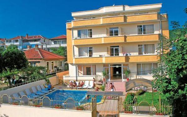 Bulharsko - Last minute se slevou 35%: Hotel Larisa na 11 dní v termínu 25.06.2015 jen za 8150 Kč.