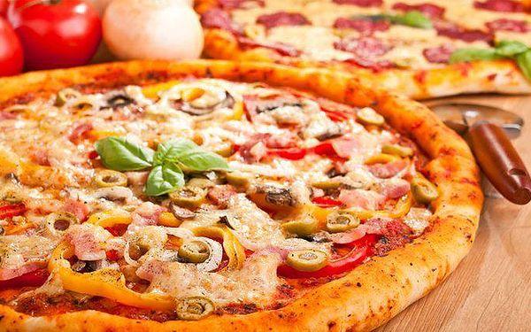 2x lahodná a křupavá pizza dle vlastního výběru v restauraci Cappuccini v Praze
