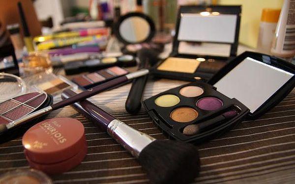 Individuální kurz líčení: módní novinky pro léto 2015