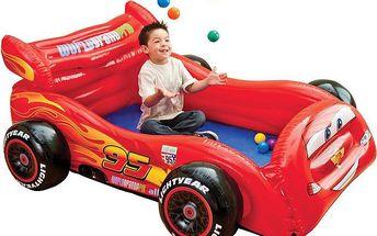 Hrací koutek Cars v podobě parádního auta