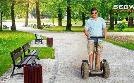 Stromovkou na dvoukolovém vozítku Segway