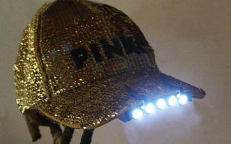LED světlo na čepici