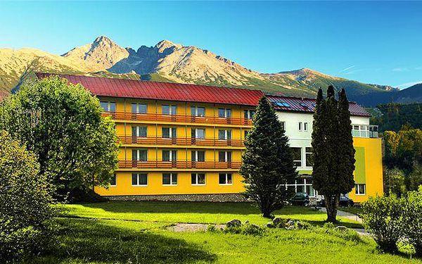 Až 8denní pobyt s polopenzí a s možností wellness v hotelu Lesana na Slovensku pro 2