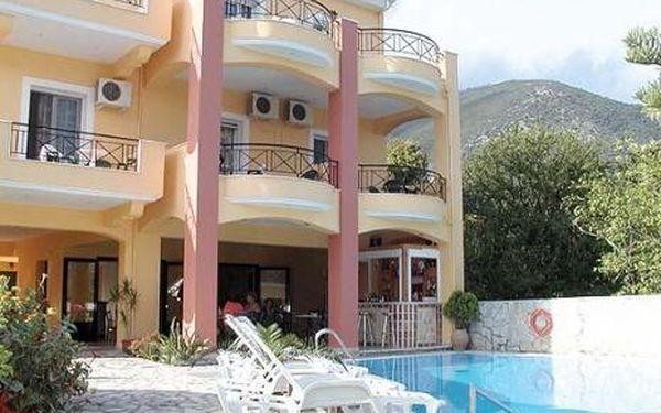 Řecko, oblast Lefkada, doprava letecky, bez stravy, ubytování v 3,5* hotelu na 11 dní