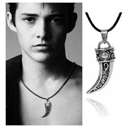 Pánský náhrdelník s přívěskem vlčího tesáku