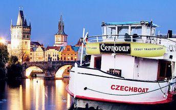 2,5hodinová plavba po Vltavě s živou kapelou pro 1 osobu