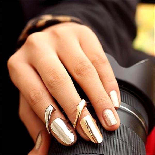 Prstýnek na nehet - zlatá a stříbrná barva