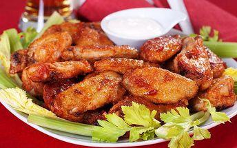 1 200 g propečených křídel v restauraci Baba Jaga